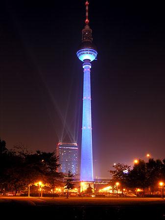 Fernsehturm-100