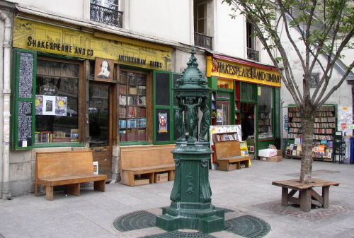 Shakespeare-and-Co-Bookshop-in-Paris